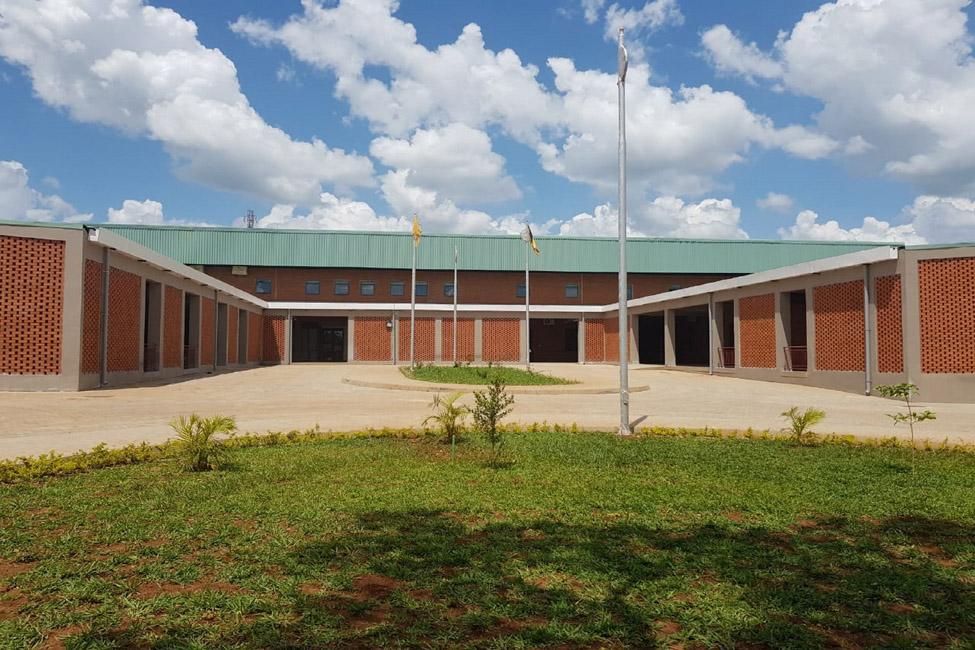 إعادة تأهيل وتوسعة مستشفى كايونجا