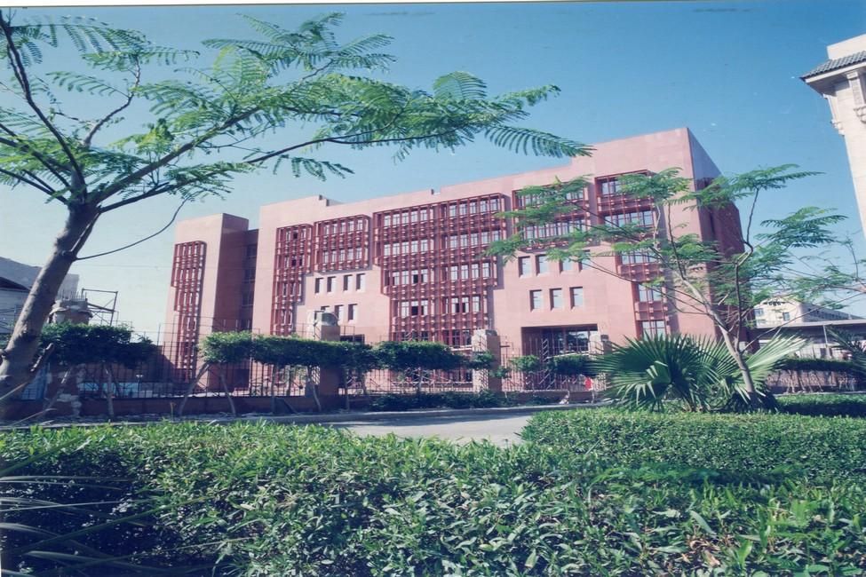 كلية طب - عين شمس